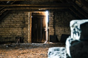 attic-112267_1280