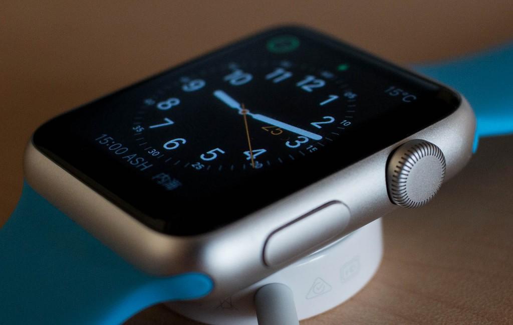 watch-756487_1280