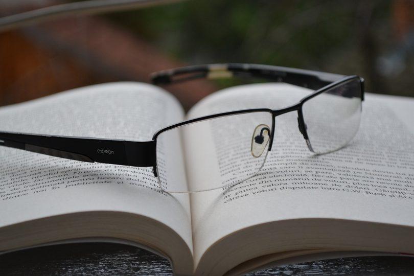 glasses-850195_1280