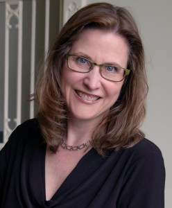 Mary Henige headshot