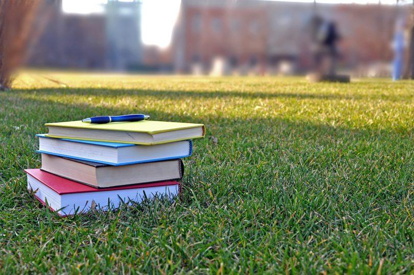 campus, books