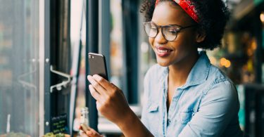 reading on smartphone